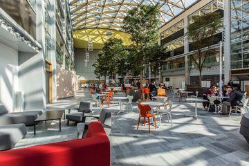 Office space for rent Schiphol Evert van de Beekstraat 104 2